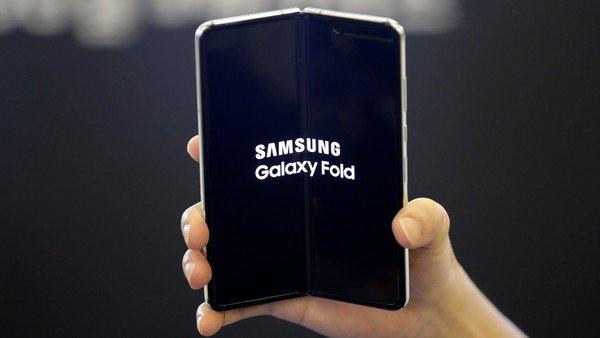 Samsung explicó cómo cuidar el Galaxy Fold, el celular plegable de los 2 mil dólares