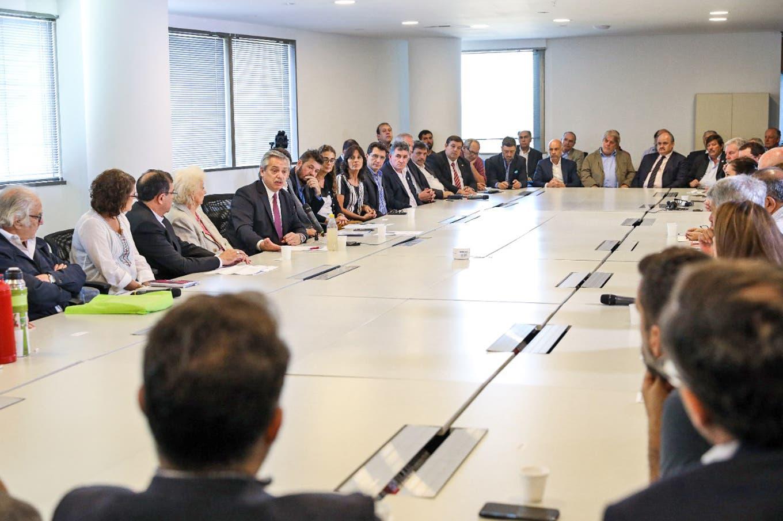 Plan contra el hambre. Fuerte presencia de la agroindustria en una reunión con Fernández