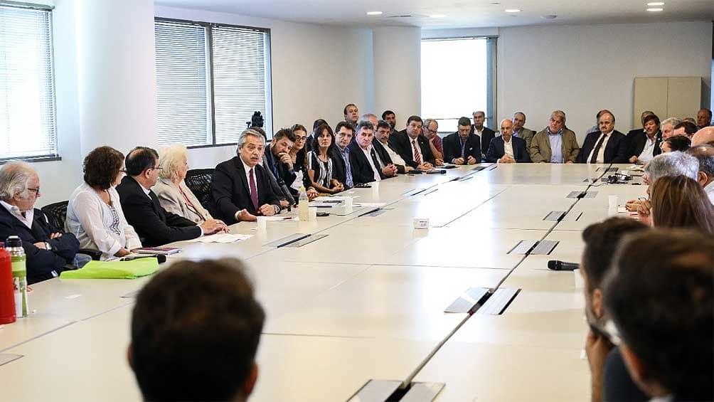 Fernández convocó a dirigentes a realizar la «epopeya» de terminar con el hambre en el país