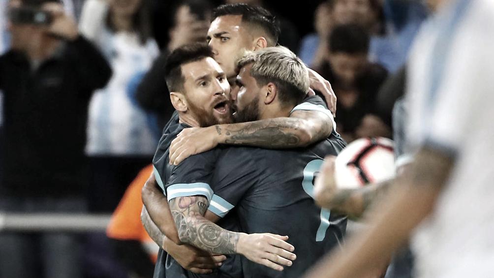 Argentina consiguió el empate ante Uruguay con un penal agónico de Messi