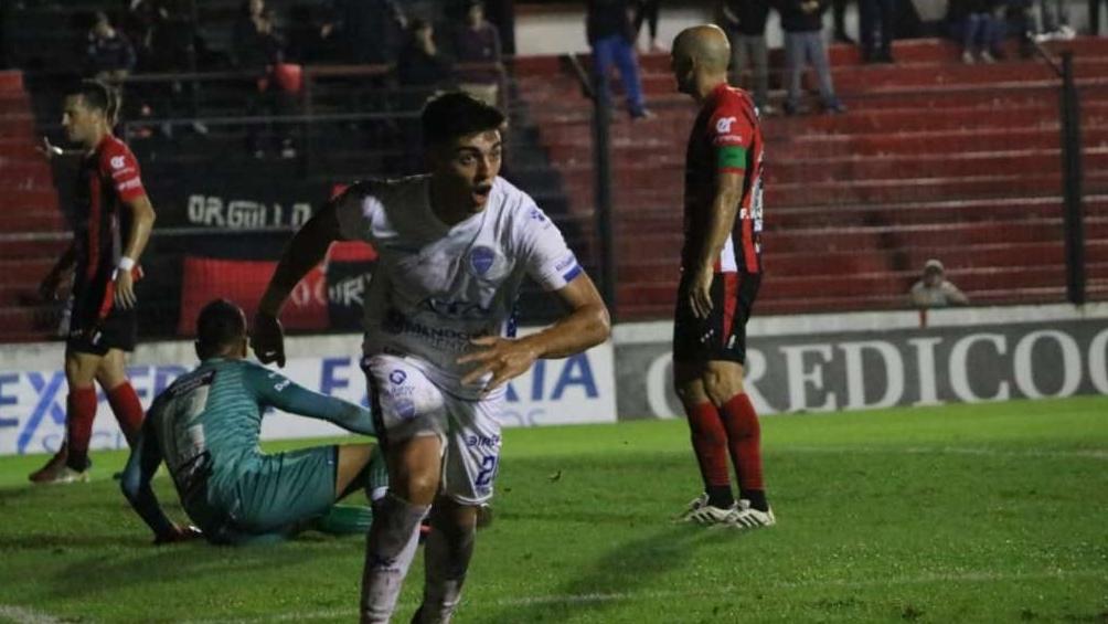 Godoy Cruz sorprendió a Patronato en Paraná y lo hundió en los promedios