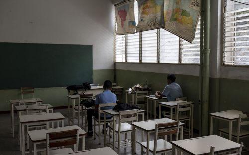 Las escuelas venezolanas no tienen comida, libros ni estudiantes
