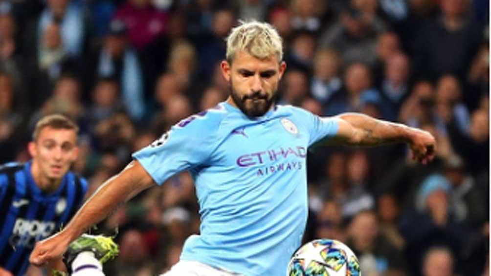 """El """"Kun"""" Agüero se perderá el clásico de Manchester por una lesión"""