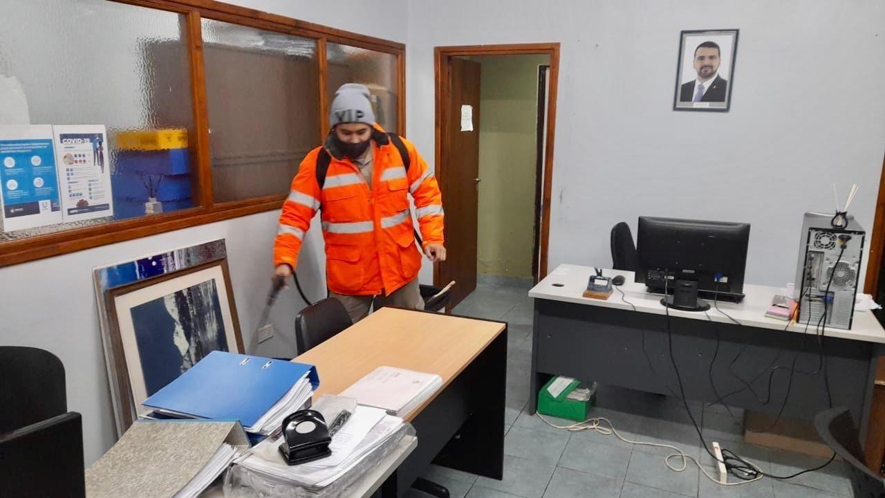 covid-19:-municipio-realiza-desinfeccion-de-edificios-publicos-y-comunitarios