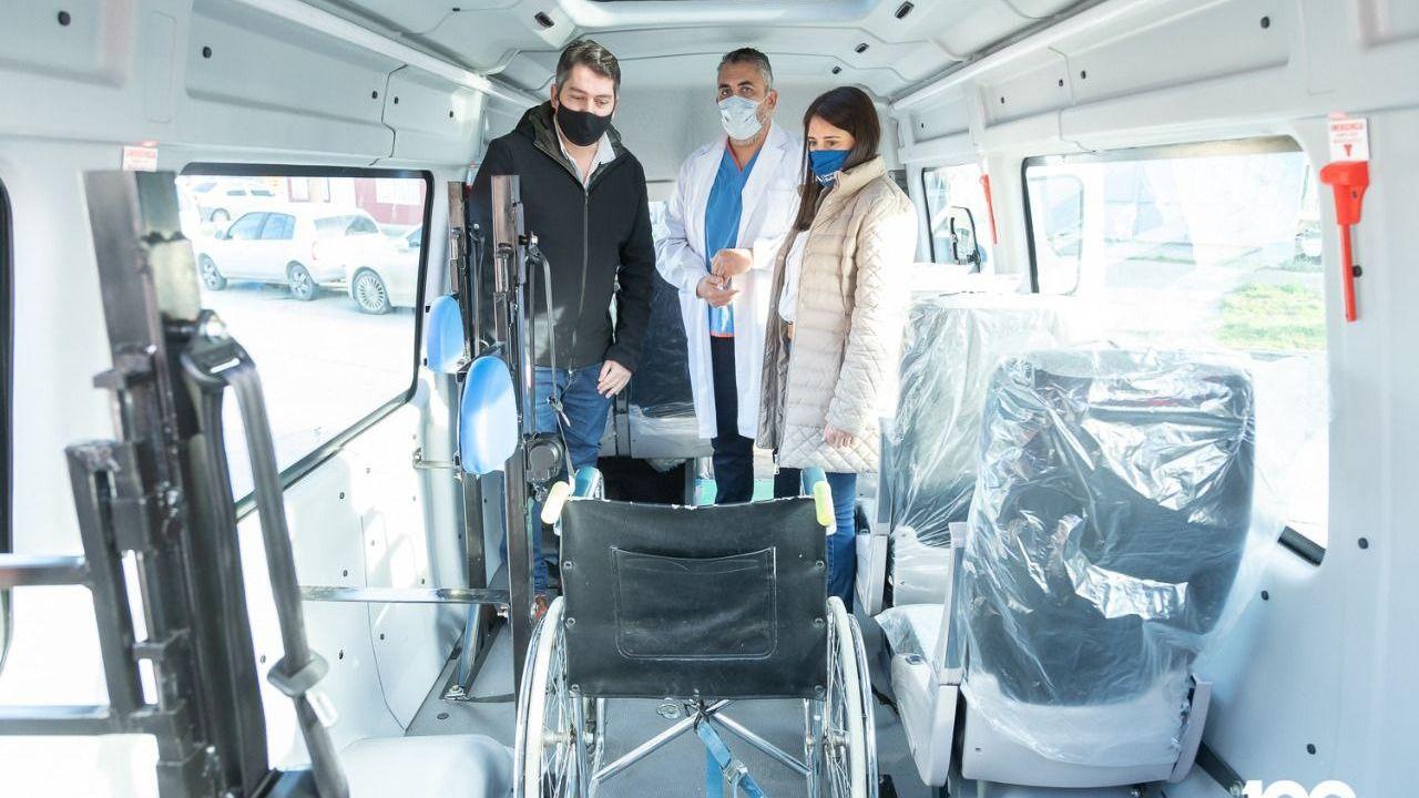 servicio-de-salud-municipal-incorporo-nuevo-movil-para-personas-con-movilidad-reducida