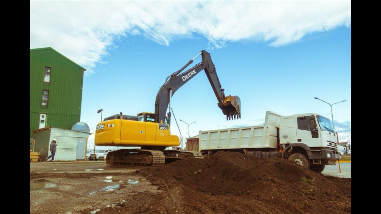 inician-construccion-de-un-estacionamiento-en-el-barrio-chacra-ii