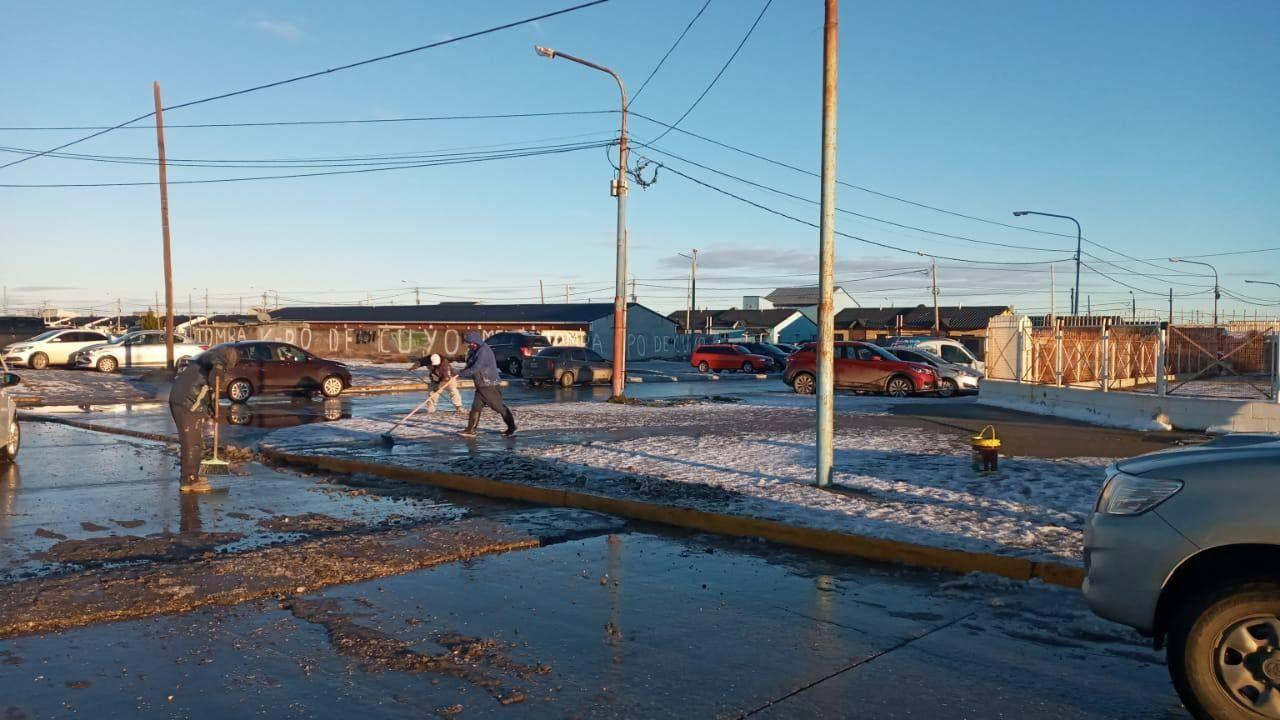 municipio-realizo-trabajos-de-remocion-de-hielo-y-nieve-en-areas-prioritarias