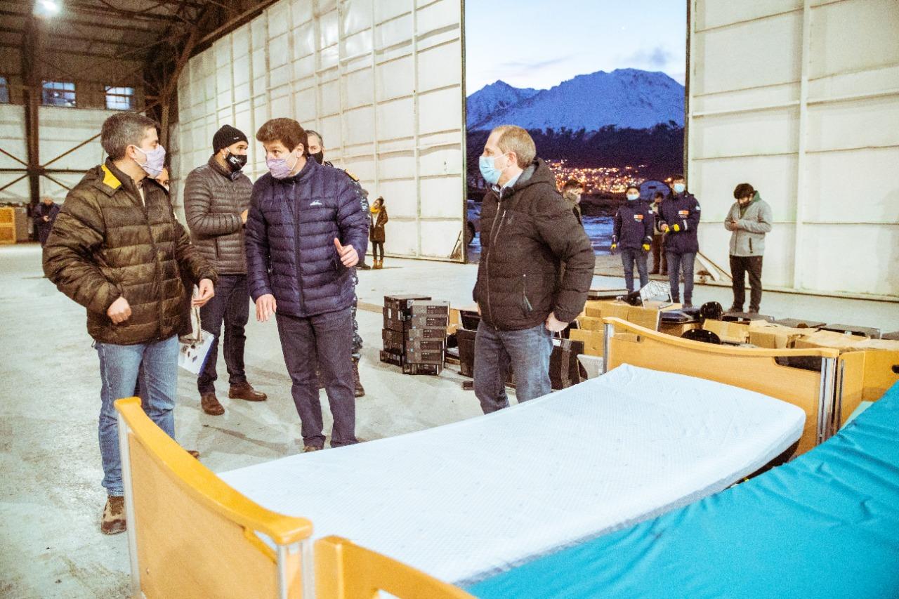 la-provincia-recibio-desde-noruega-una-nueva-donacion-de-elementos-ortopedicos,-camas-de-hospital-y-equipos-informaticos