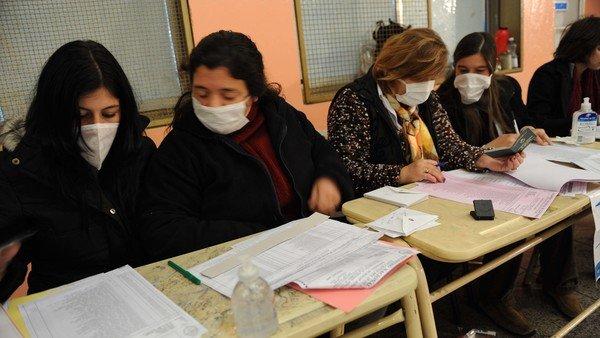 paso-2021-con-covid:-las-otras-elecciones-que-los-argentinos-votamos-con-barbijo