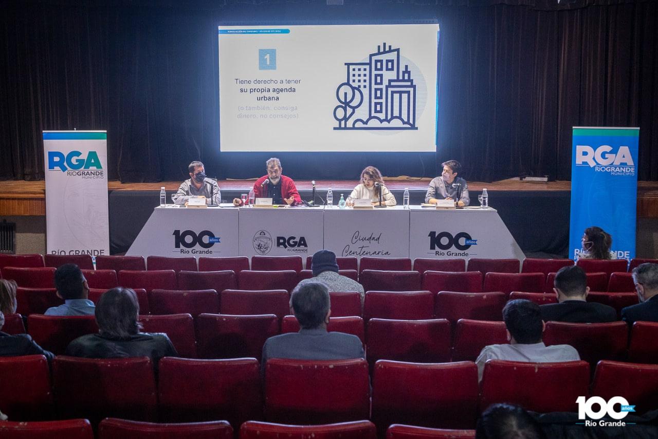 comenzo-el-debate-sobre-ambiente-en-el-marco-del-plan-de-accion-del-centenario