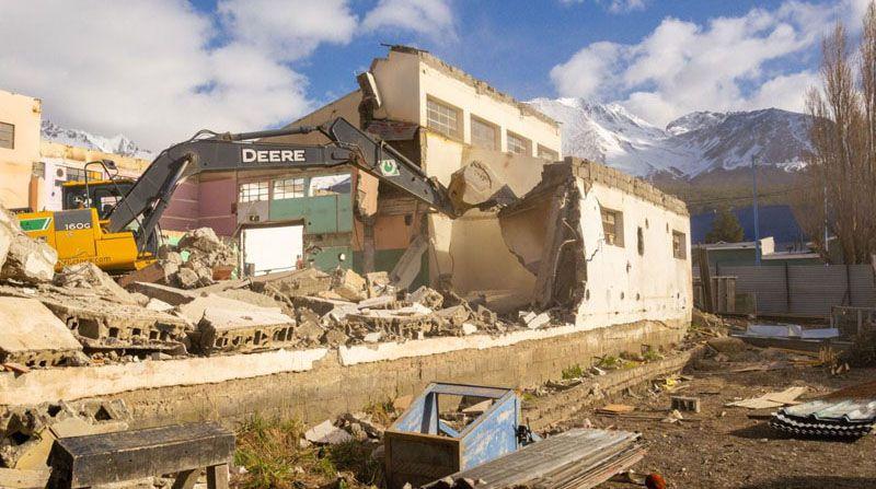demolieron-el-galpon-de-servicios-generales-para-construir-el-centro-de-rehabilitacion